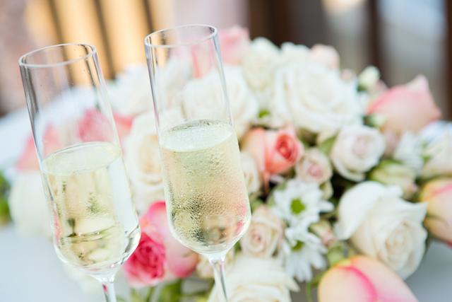 結婚式 披露宴で短めの 乾杯の挨拶 を依頼する3つのコツ みんなの
