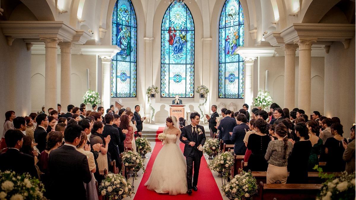 結婚式で選ばれ続ける 教会式 キリスト教式 とは 流れや人気の