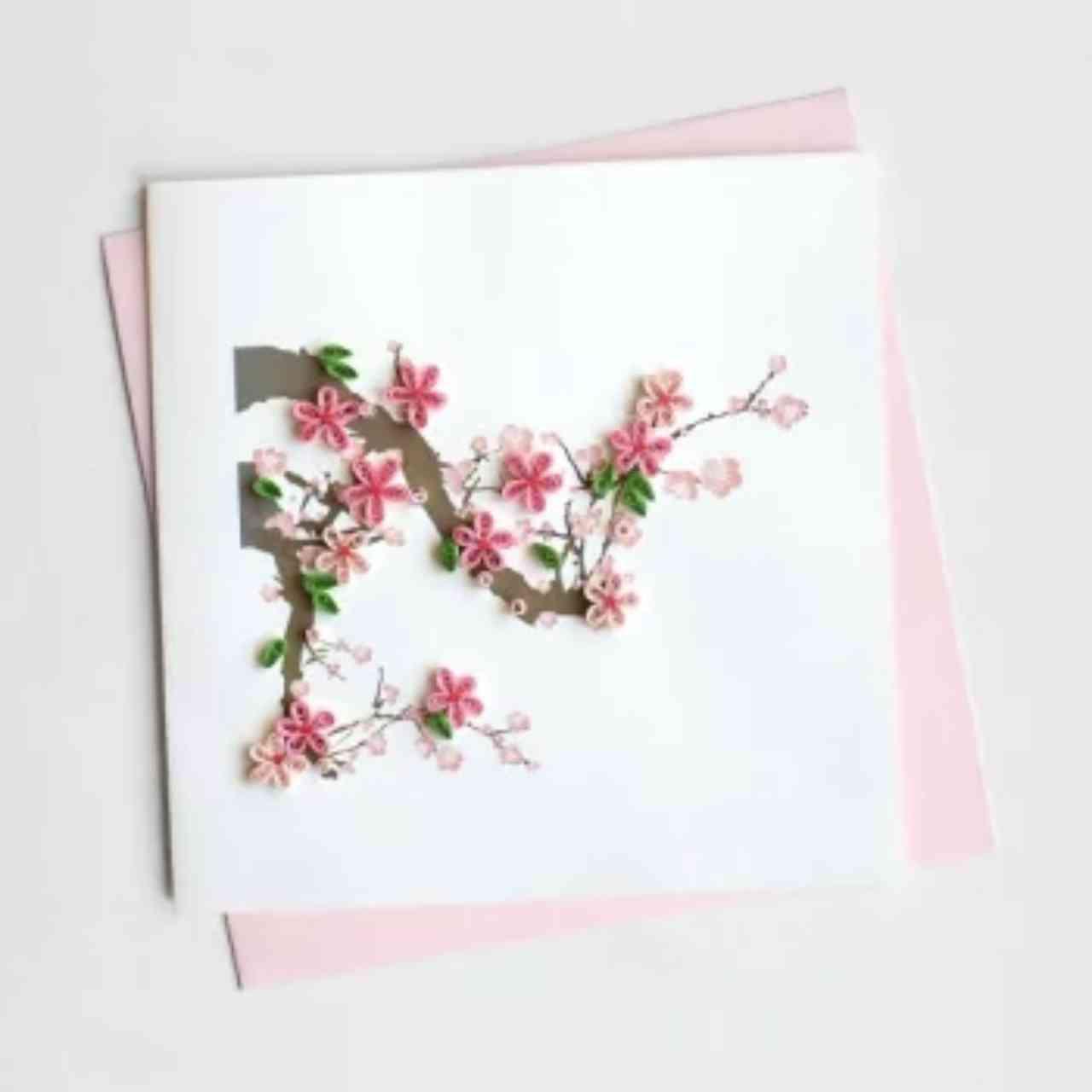 枯れない紙のお花で祝う「クイリンググリーティングカード