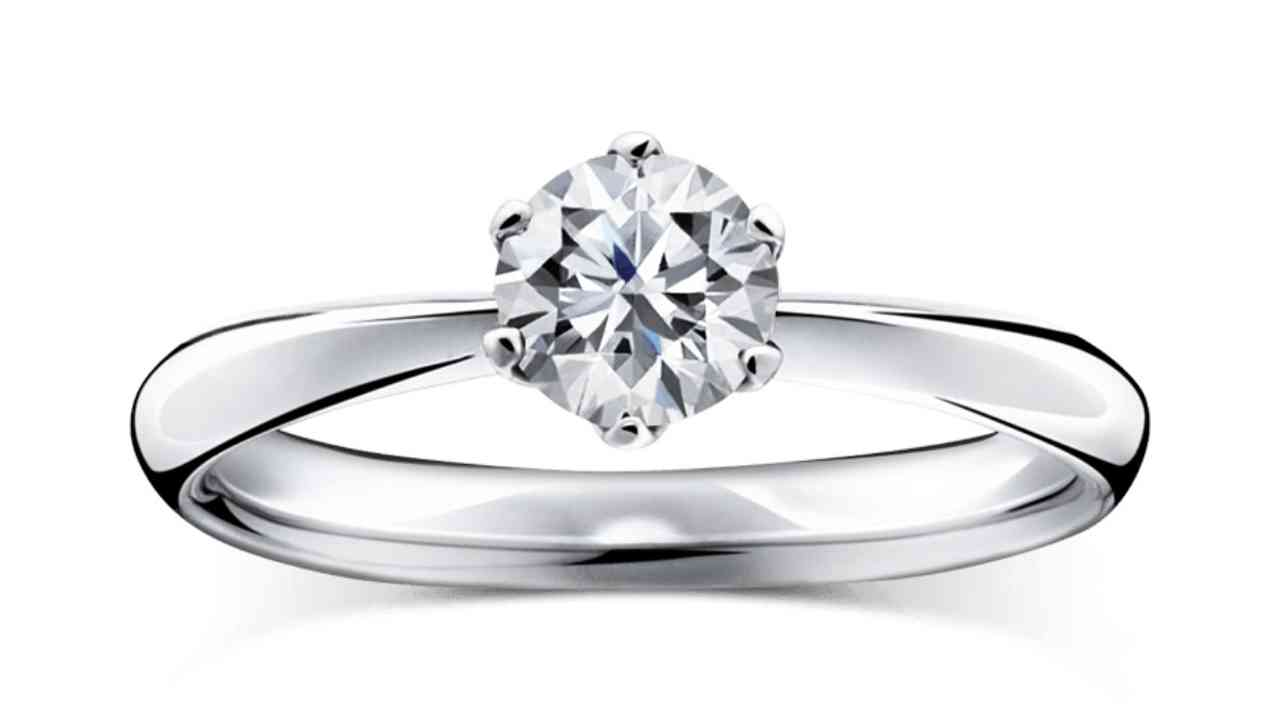 ラザールダイヤモンド婚約指輪・カリヨン