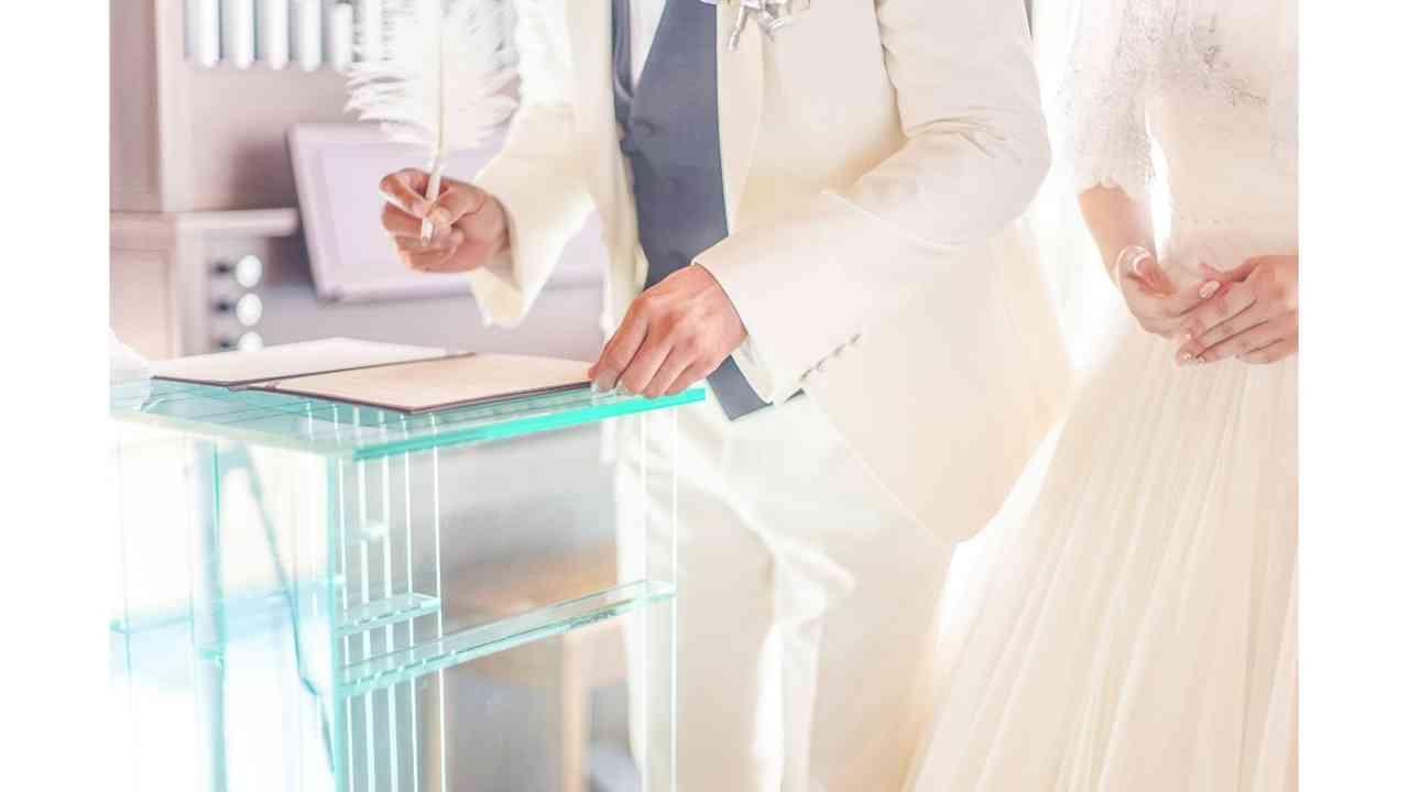 入籍と結婚式、どちらを先にするべき?
