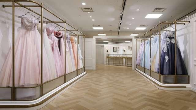 タカミブライダル店内画像ドレス陳列
