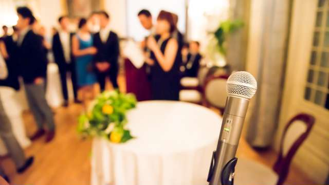 結婚式披露宴のスピーチ 挨拶 祝辞 謝辞 文例や禁句のマナー
